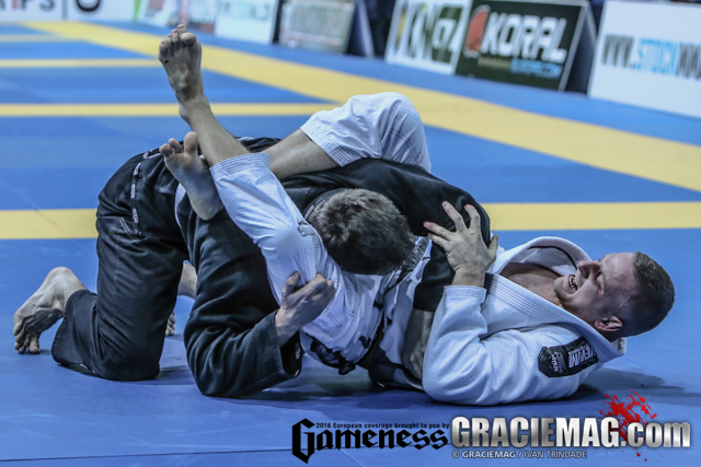 2016 European: white belts and blue belts give it all on day 1