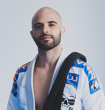 Novo GMI Rodrigo Barbi, de Canoas, ensina variação do armlock voador