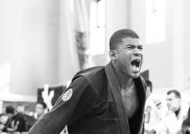 Revelação na marrom, Yago Souza busca espaço entre os pretas no Europeu 2016