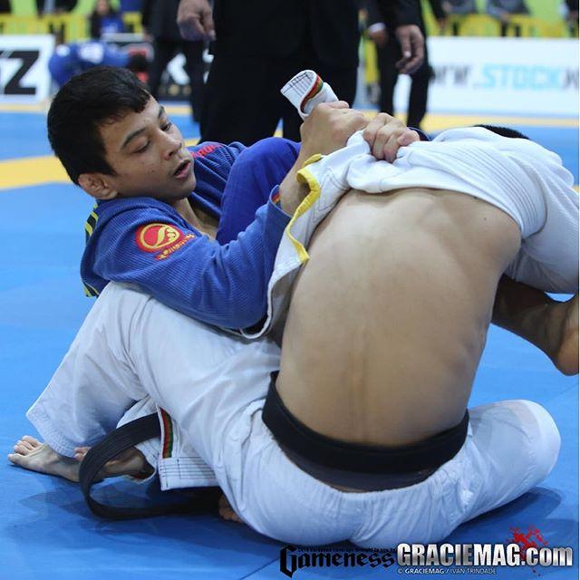 Paulo Miyao faz a final peso-pena contra Marcio Andre. Foto: Ivan Trindade/GRACIEMAG