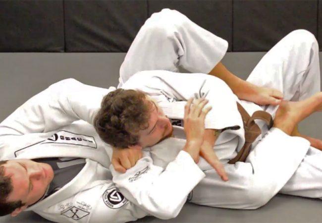 Aprenda com Roger Gracie a aplicar um ezequiel das costas no Jiu-Jitsu