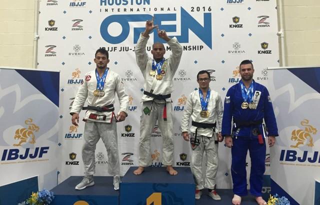 Vídeo: Mahamed Aly vence Jared Dopp e garante ouro duplo no Houston Open