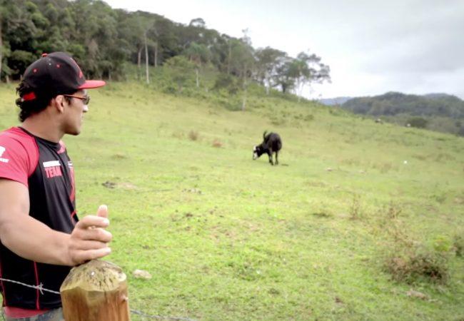 Vídeo: O estilo de vida simples do astro do Jiu-Jitsu e UFC Charles do Bronx
