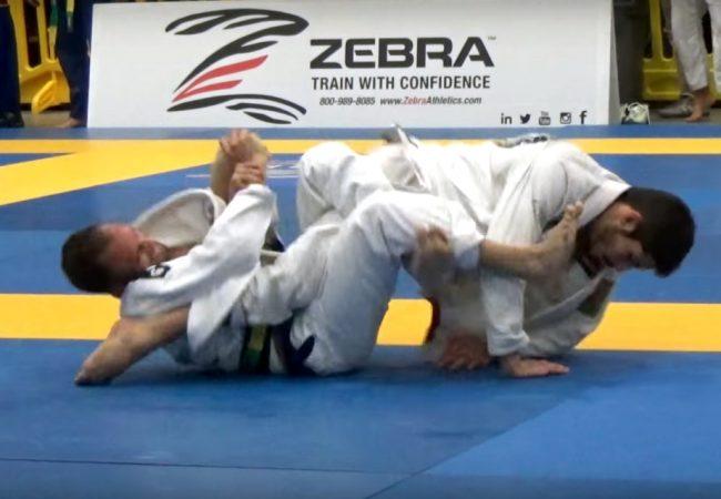 Vídeo: A chave de pé de Samir Chantre no San Jose Open de Jiu-Jitsu