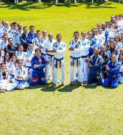 Alunos da academia Marangoni, em Mogi das Cruzes, SP: ousadia e afinco no estudo do Jiu-Jitsu.