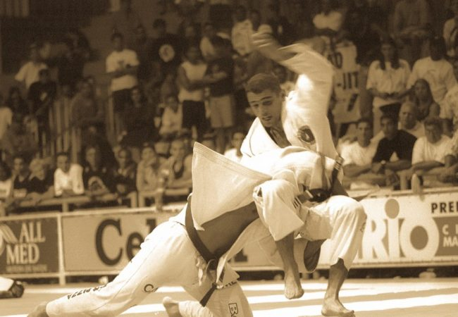 Clássico: o duelo de Royler Gracie e Léo Vieira no Mundial de 1999