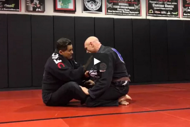 Ricardo Cavalcanti teaches a baseball choke from the butterfly guard