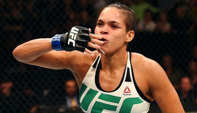 Amanda Nunes atropela Ronda Rousey em 48 segundos e mantém cinturão no UFC 207