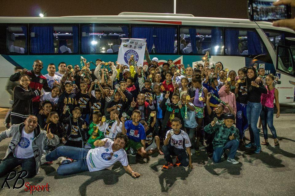Caravana da Geração UPP a caminho de Barueri, para o Brasileiro de 2016. Foto: Divulgação