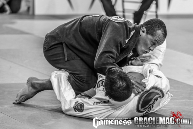 Video class: Terrinha teaches the ball and chain armbar