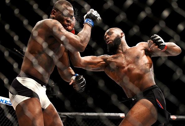 Vídeo: Os melhores lances do retorno de Jon Jones no UFC 197