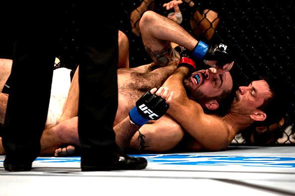 Vídeo: O bote no mata-leão de Demian Maia no UFC 198, em Curitiba