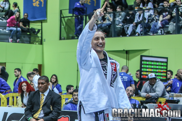 Countdown to the 2016 Worlds: Andresa Correa on her way to achieve a perfect year with two more gold medals