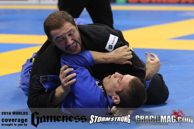 2016 Worlds: Duzão Lopes rules over the blue belt division on 1st day of Jiu-Jitsu in Long Beach