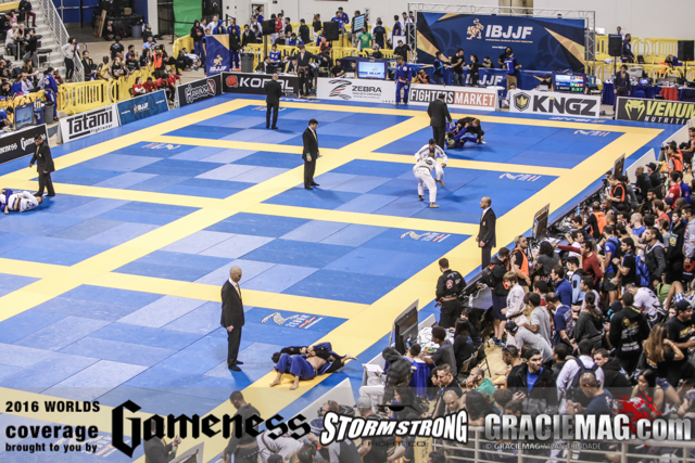 2016 Worlds: It's time! Follow here the black belt open class divisions live from Long Beach