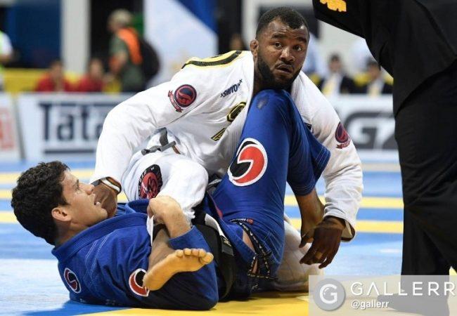 Vídeo: O estrangulamento de Felipe Preguiça em Jackson Sousa no Berkut Jiu-Jitsu