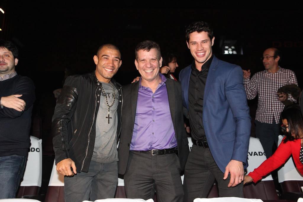 Aldo, Pederneiras e o protagonista José Loreto, na noite de pré-estreia no Rio, dia 9 de junho. Foto: Divulgação.