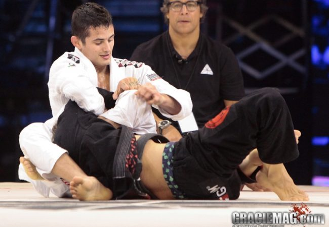 Vídeo: O armlock de Caio Terra sobre Jeff Glover no Metamoris