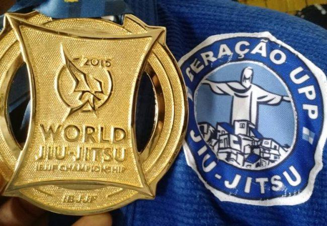 Molecada das favelas cariocas sonha com o ouro e nova vida no Mundial
