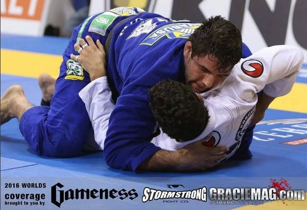 Três vezes campeão mundial, Buchecha encara o jovem Erebrth Santos na final do absoluto. Foto: Ivan Trindade