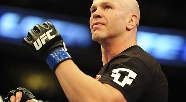 Veterano do UFC Ryan Jimmo é atropelado e morre, no Canadá