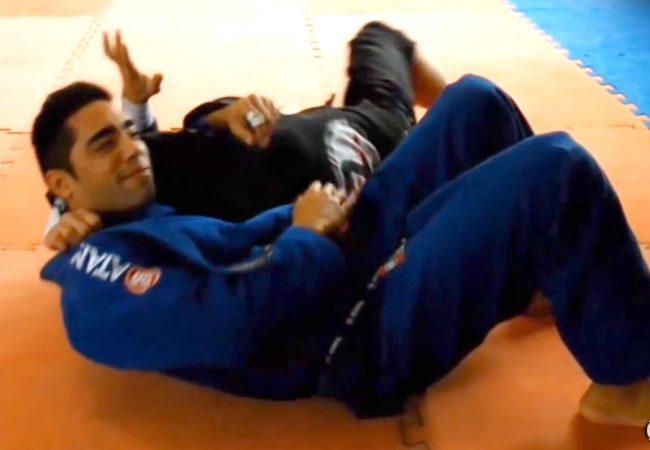 Jiu-Jitsu: Gire e estrangule do cem-quilos com nosso GMI Matheus Zimmermann