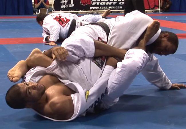 Vídeo: A chave de pé de André Galvão sobre Cyborg no Mundial de 2008