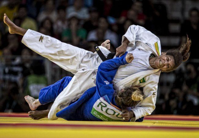 Rafaela Silva conquista medalha de ouro na Rio 2016; veja como foi
