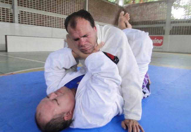Deficientes visuais aprendem Jiu-Jitsu de graça no Recife