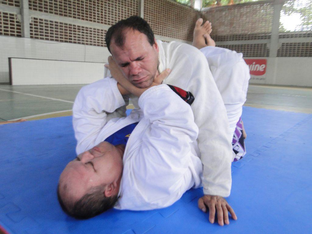 Severino Silva e Edgar Felipe treinam Jiu-Jitsu apenas com o tato. Foto: Divulgação