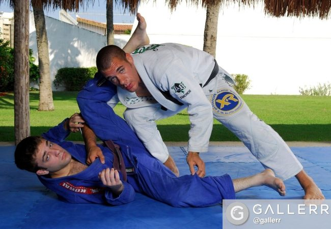 BJJ World Masters 2016: Rafael Lovato Jr. teaches how to sweep starting from half-guard