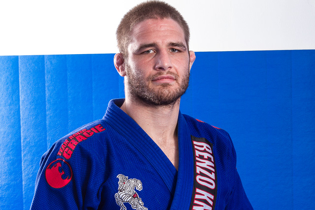 Rio 2016 Olympic Silver Medalist Travis Stevens teaches how to pass the guard