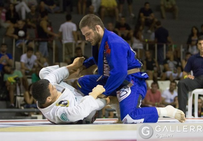 Watch 2016 Olympic silver medalist judoka Travis Stevens battle Paulo Miyao at Copa Podio 2013