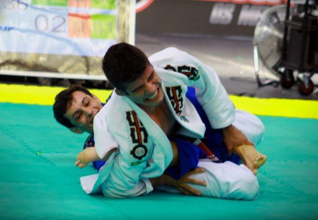 Vídeo: O leglock relâmpago de Caio Almeida no Gramado Open de Jiu-Jitsu