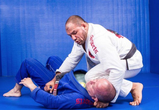 """Roberto """"Cyborg"""" Abreu teaches how to apply the """"pantaneiro choke"""""""