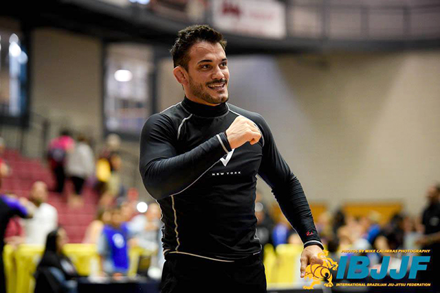 Watch how Inácio Neto beat Robson Gracie at the Dallas Open Jiu-Jitsu