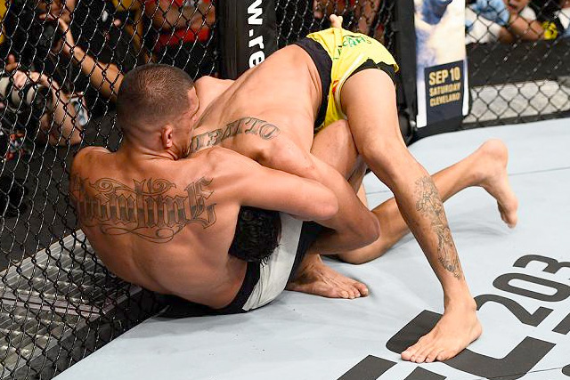 Anthony Pettis's coach breaks down winning guillotine from UFC Vancouver