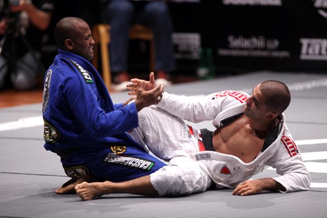 Watch Fernando Tererê vs. Vitor Shaolin at Polaris Pro 4