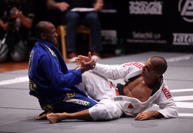 Jiu-Jitsu: Veja como Fernando Tererê passou a guarda e venceu Vitor Shaolin