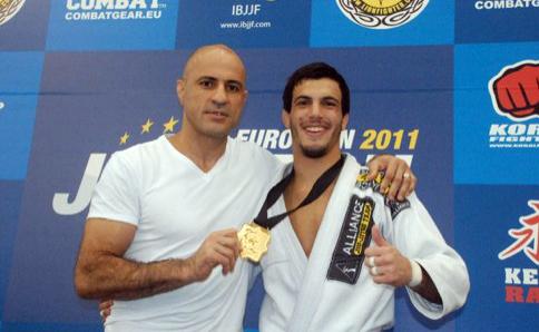 Vídeo: Gigi Paiva, Vitor Genovesi e o Jiu-Jitsu de pai para filho no Dojjo Representa