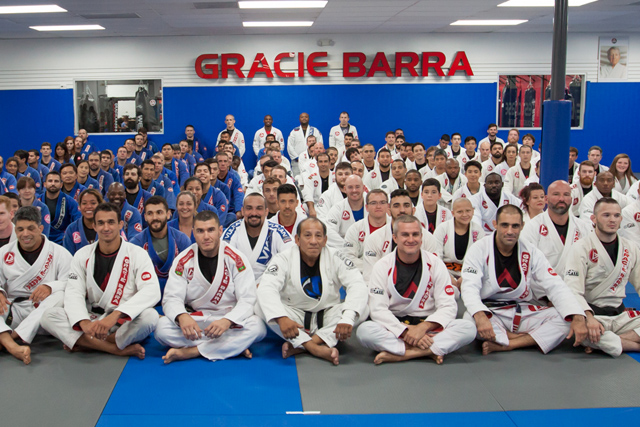 Black-belt opens new gym in Texas with 18 black-belts in attendance