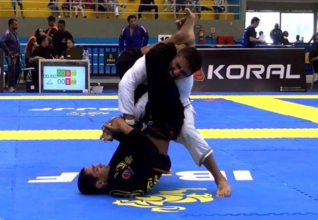 Vídeo: O armlock de Jaime Canuto no São Paulo Open de Jiu-Jitsu