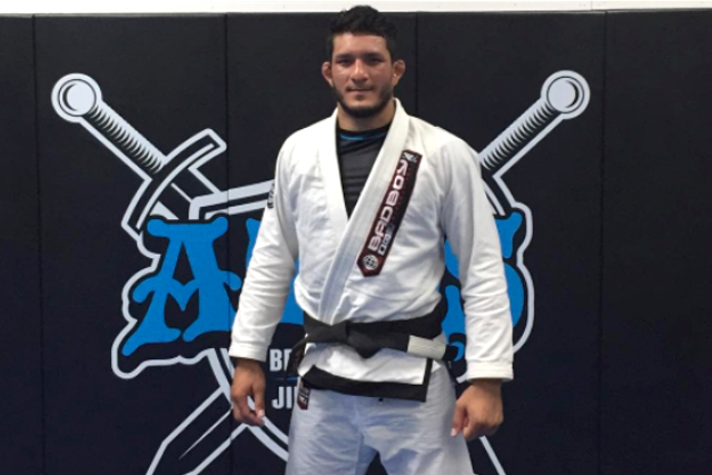"Sitting medium heavyweight champion Lucas ""Hulk"" moves up at No-Gi Worlds"