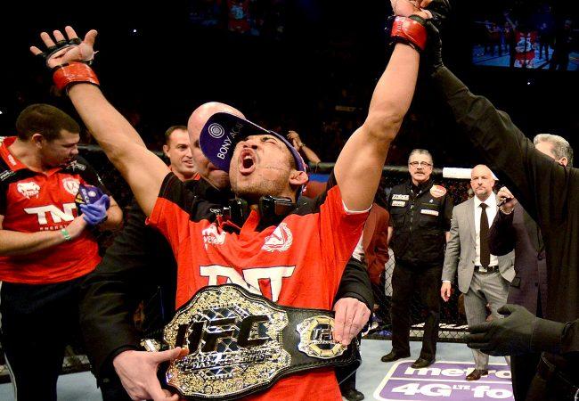 Aldo retoma cinturão dos penas; Pettis e Hollaway lutam por título interino no UFC 206