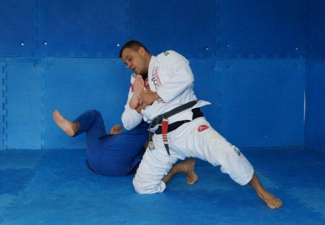 Jiu-Jitsu completo: lute da queda à finalização, com o GMI Marcos Schubert