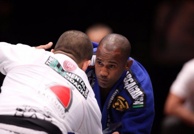 Fernando Tererê ensina passagem da meia-guarda abrindo o leque no Jiu-Jitsu