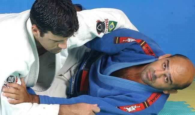 Jiu-Jitsu: Aprenda uma raspagem da meia-guarda com Roberto Gordo