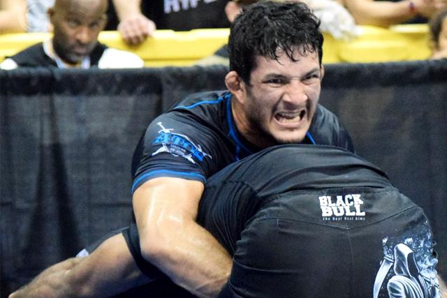 Hulk nabbed his second no-gi championship. Léo Bandeira