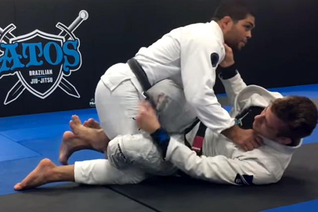 Keenan Cornelius teaches the krab guard