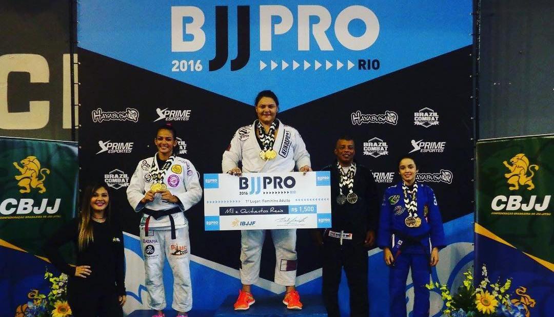 Tayane Porfírio faturou o absoluto premiado do Rio BJJ Pro. Foto: IBJJF/Sport Pixel